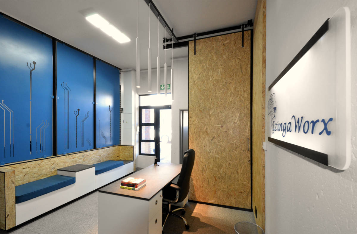 IzingWorx - Entrance - Designed by Earthworld Architects and Interiors.jpg