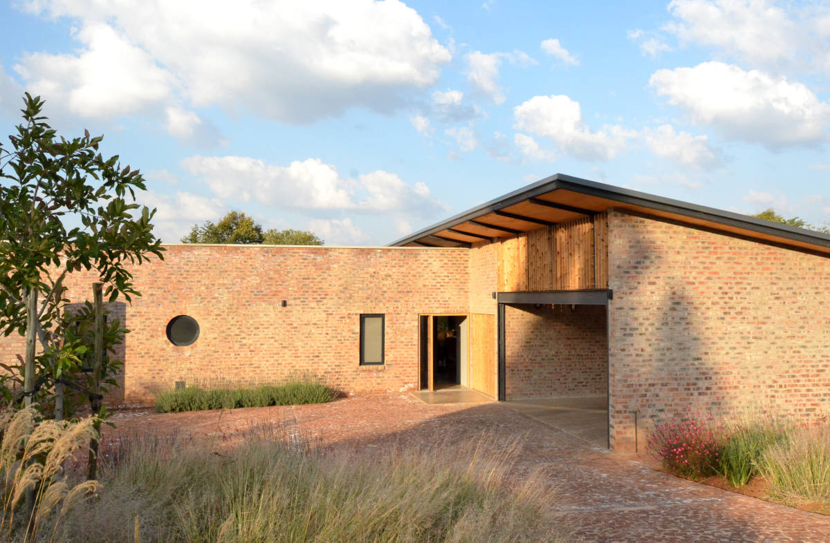 House Meerholz - Entrance - Designed by Earthworld Architects & Inside Interiors.jpg