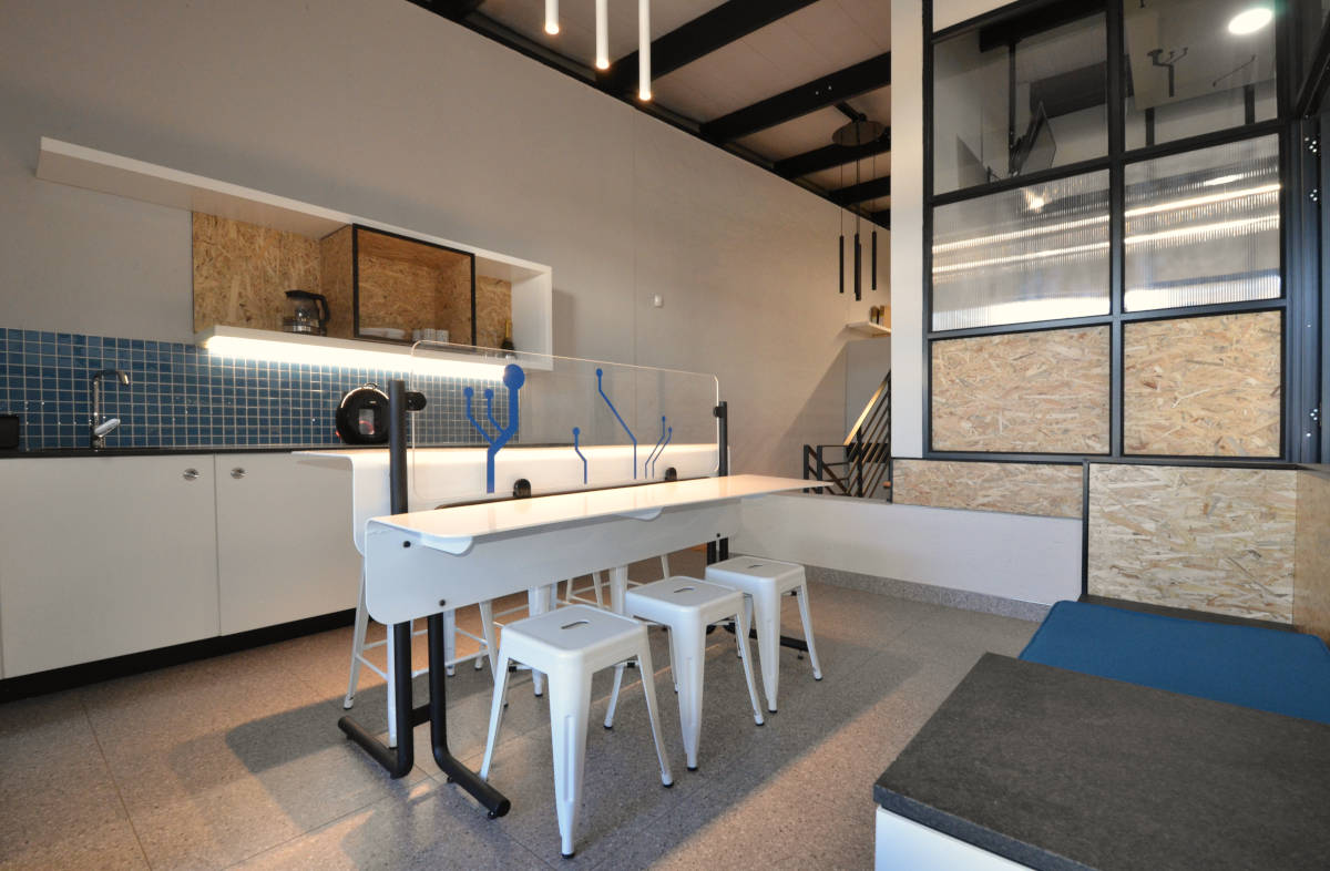 IzingaWorx - Kitchen - Designed by Earthworld Architects and Interiors.jpg